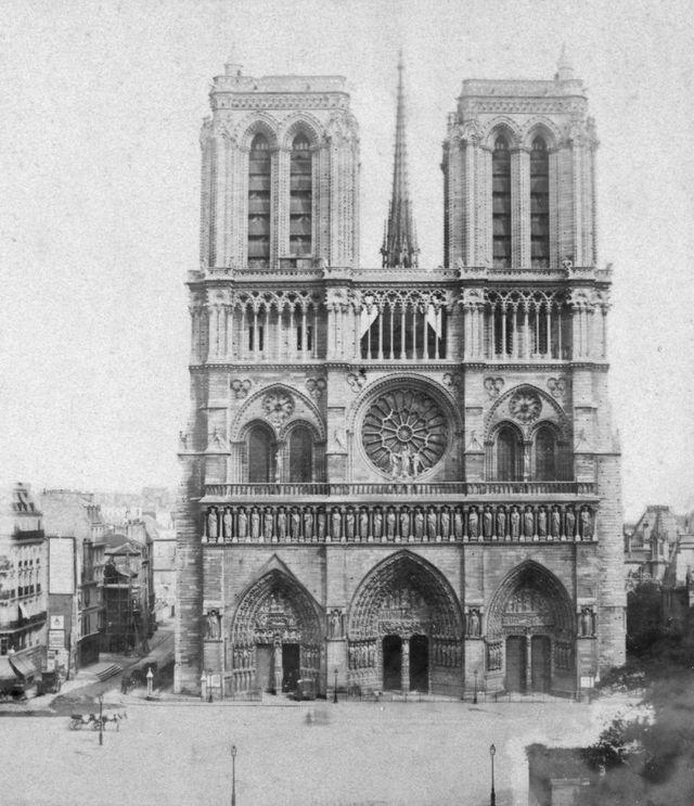 Nhà thờ Đức Bà Paris cuối thế kỷ 19, đầu thế kỷ 20. (Ảnh: Getty)