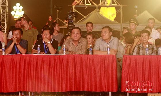 Các đại biểu dự buổi tổng duyệt chương trình.