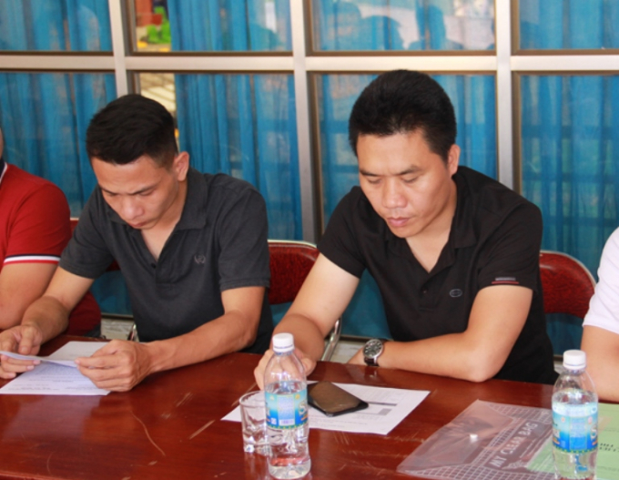 Đại diện đội bóng báo Pháp luật Việt Nam