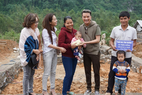 Ca sỹ Đàm Vĩnh Hưng phát động ủng hộ người dân bị thiên tai