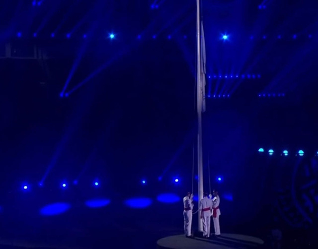 Lá cờ của Asiad 218 được kéo xuống