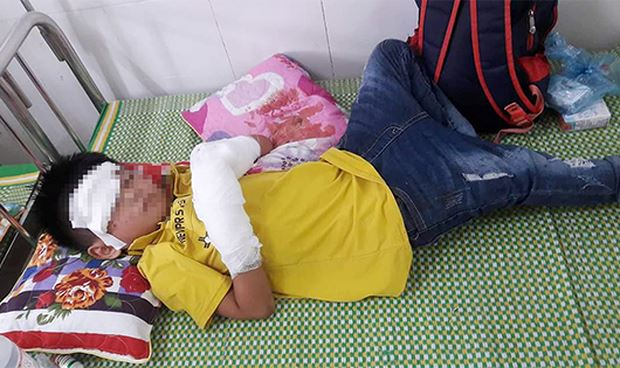 Cháu bé 7 tuổi đang được điều trị tại bệnh viện
