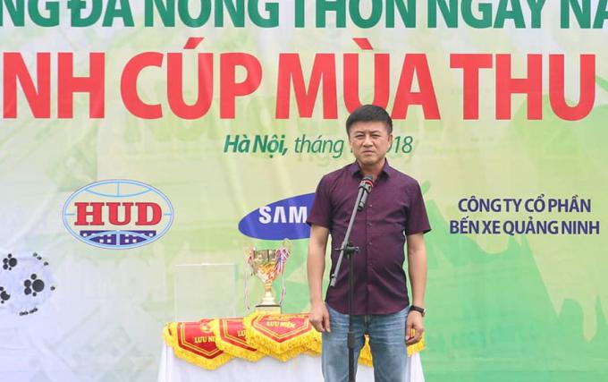 Ông Phan Huy Hà - Phó Tổng biên tập báo NTNN/Dân Việt - Trưởng Ban tổ chức giải phát biểu khai mạc. Ảnh: Tùng Đoàn
