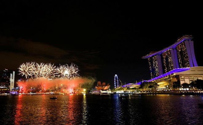 Vịnh Marina,Singapore trước thời khắc giao thừa. (Ảnh: Reuter)