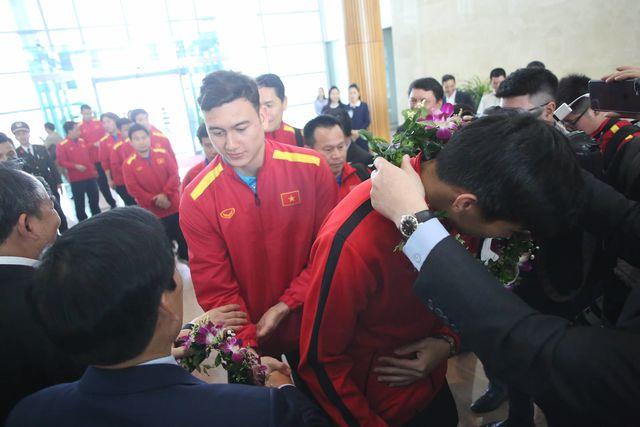 Thủ môn Văn Lâm được ngợi ca sau hai trận đấu xuất sắc với Jordan và Nhật Bản
