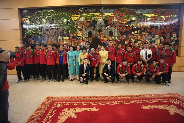 Đội tuyển Việt Nam được vinh danh ngay ở sân bay Nội Bài