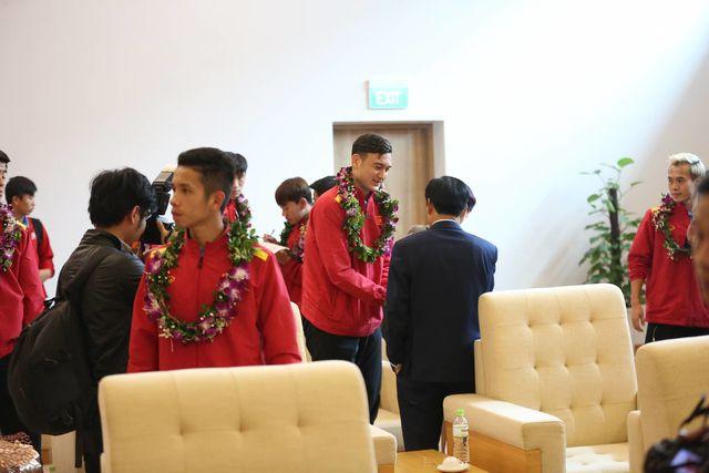 Thủ môn Văn Lâm nhận được sự quan tâm lớn từ các lãnh đạo ngành thể thao