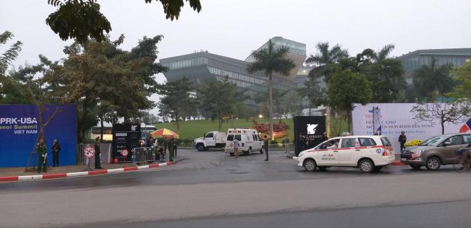 Cổng chính khách sạnMarriott an ninh được thắt chặt.