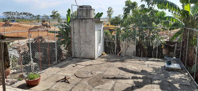 Một số hộ dân đã xây dựng các công trình kiên cố trên phần đất tranh chấp