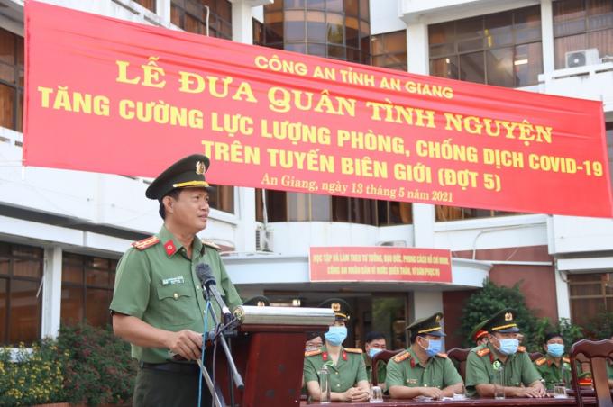 Đại tá Nguyễn Nhật Trường - Phó Giám đốc Công an tỉnh phát biểu chỉ đạo tại buổi Lễ