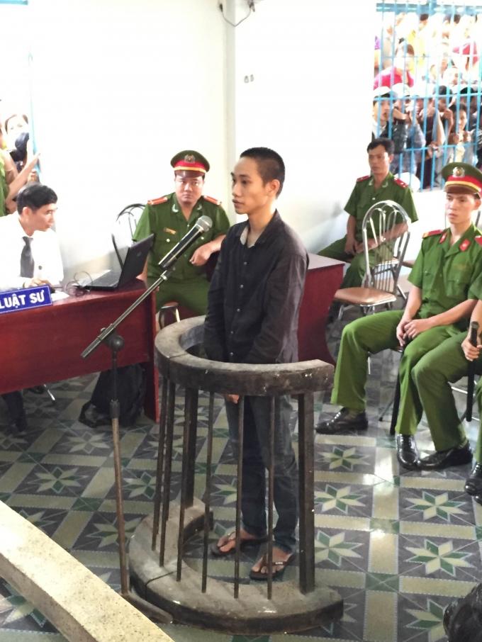 Bị cáo Thái nghe tuyên án. Ảnh: Ngọc Trìu