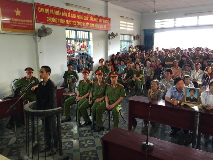 Quang cảnh phiên xử sáng 26/11. Ảnh: Ngọc Trìu