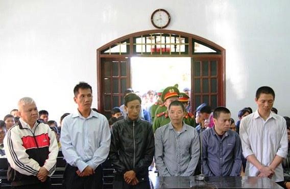 Các bị cáo tại Tòa án nhân dân tỉnh Đắk Nông.