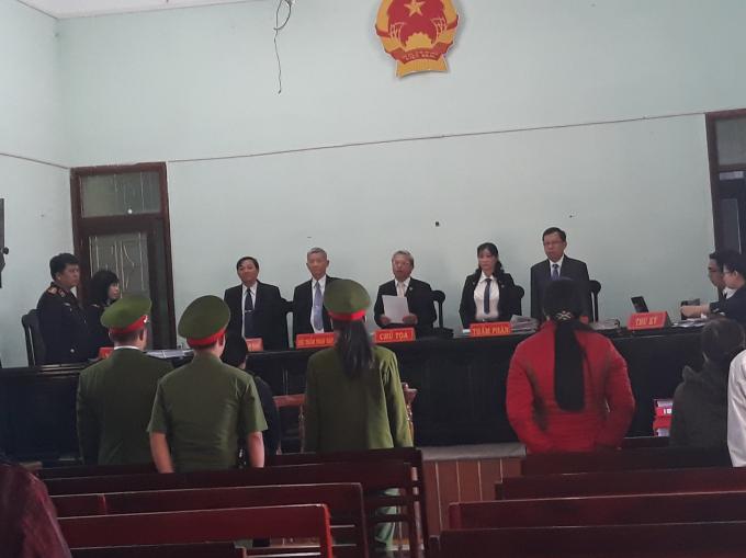 Mặc dù Bộ Công An có ý kiến theo đề nghị của Công an tỉnh Kon Tum là rút về Bộ để điều tra rõ nhưng không hiểu sao chưa có kết luận của BCA mà các cơ quan liên quan của tỉnh Kon Tum vẫn đưa ra xét xử.