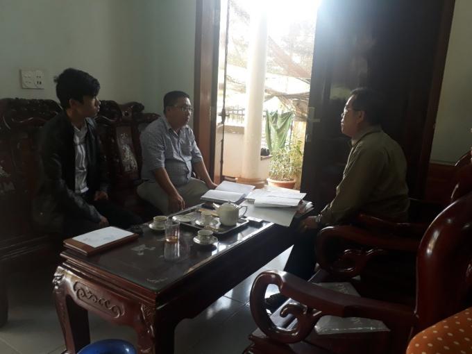 Ông Nguyễn Văn Tuấn đang trao đổi với PV.