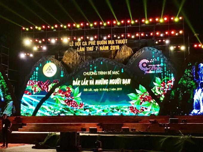 Hình ảnh ấn tượng trong đêm khai mạc lễ hội