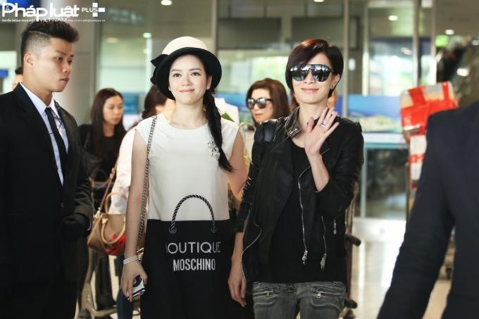 Hoa hậu TVB Xa Thi Mạn chào người hâm mộ Việt Nam (Ảnh: Đại Ngô)