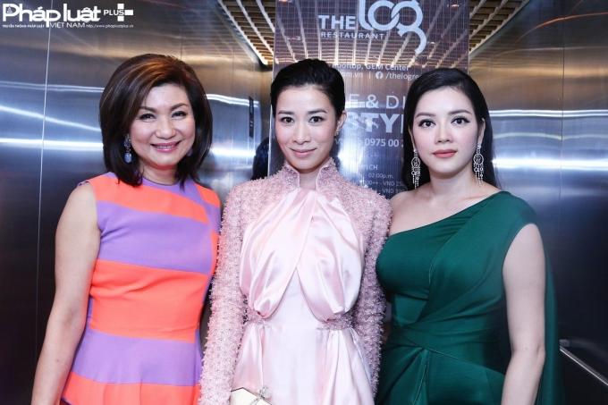 Từ trái qua phải: Bà trùm làng giải trí Hồng Kông Lạc Gia Linh, Hoa hậu TVB Xa Thi Mạn, người đẹp Lý Nhã Kỳ (Ảnh: Đại Ngô)