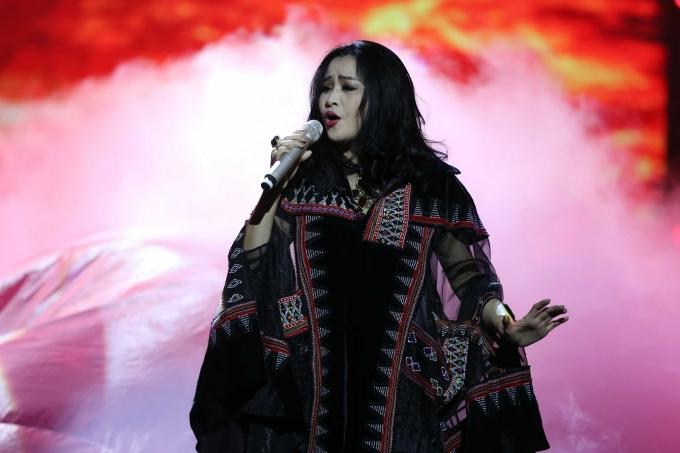 Diva Thanh Lam mạnh mẽ với ca khúc Ngẫu hứng sông hồng