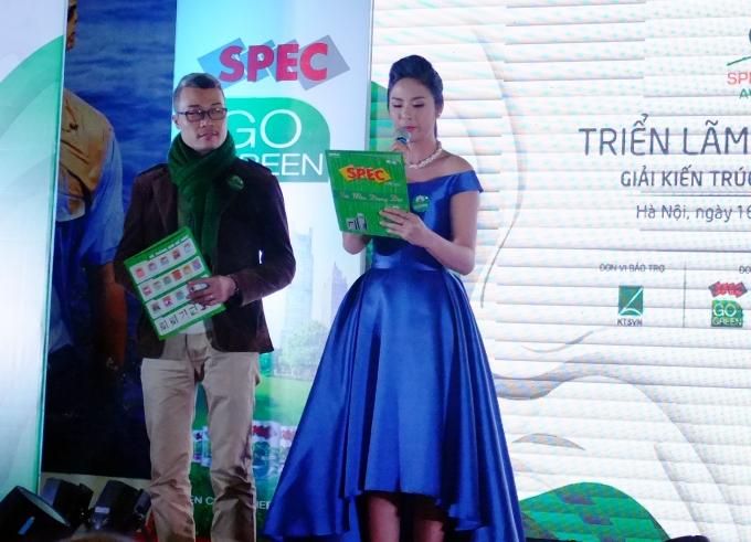 Hoa hậu Việt Nam 2010 tự tin trong vai trò là một MC chuyên nghiệp