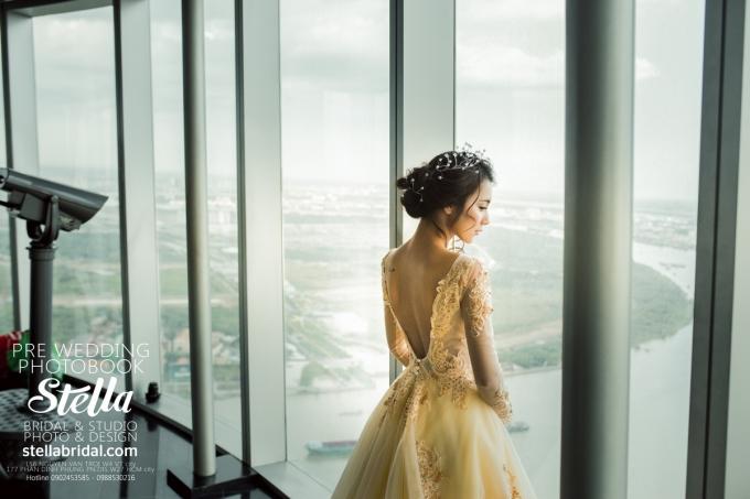 View từ tòa nhà Bitexco nhìn xuống dòng sông Sài Gòn