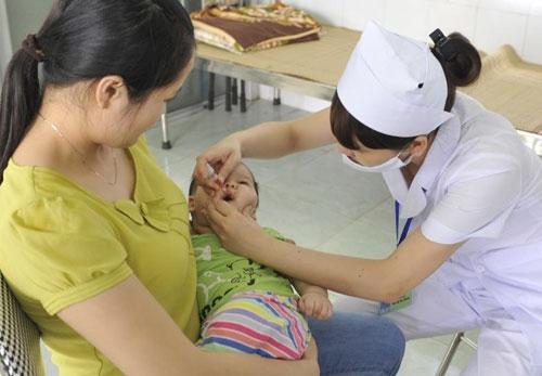 Từ tháng 6/2016 Việt Nam đưa vacxin bại liệt mới vào sử dụng. Ảnh: minh họa