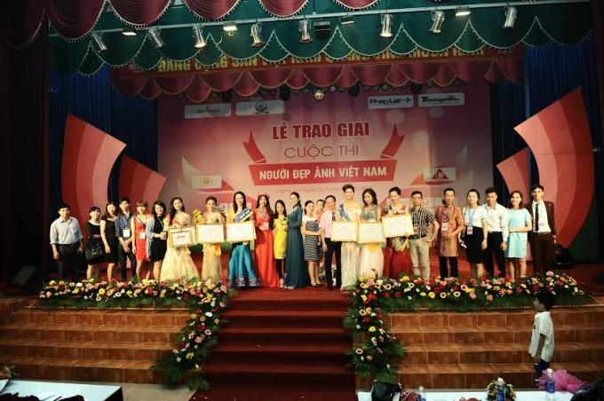 Lễ trao giải cuộc thi người đẹp ảnh Việt Nam 2015 - 2016.