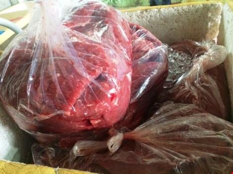 Dùng hóa chất biến 3 tấn thịt trâu Ấn Độ thành thịt bò. Ảnh báo PLO