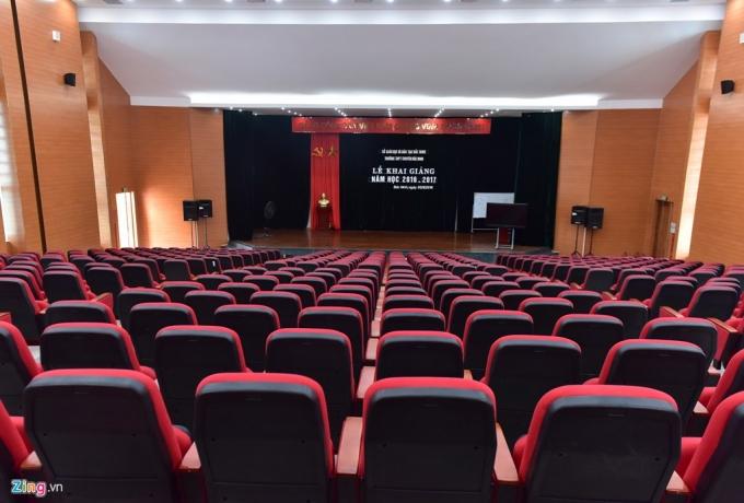 Hội trường chính với 500 chỗ ngồi dùng để tổ chức các sự kiện quan trọng.