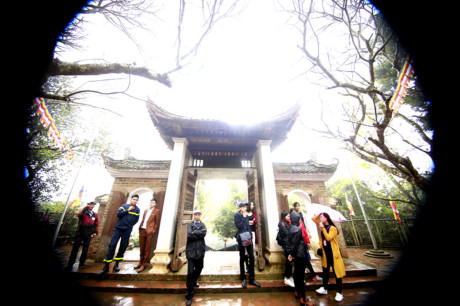 Hàng năm chùa cổ Tây Phương tổ chức lễ hội vào ngày 6 tháng 3 âm lịch.