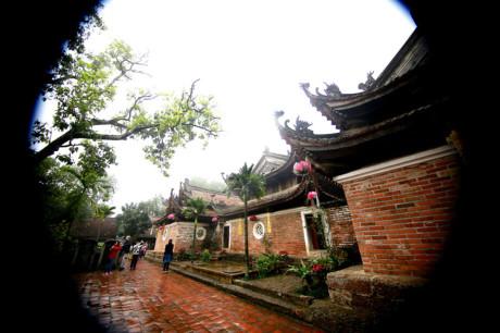 Đến năm 1794 dưới thời nhà Tây Sơn, chùa lại được đại tu hoàn toàn với tên mới là Tây Phương Cổ Tự và hình dáng kiến trúc còn để lại như ngày nay.
