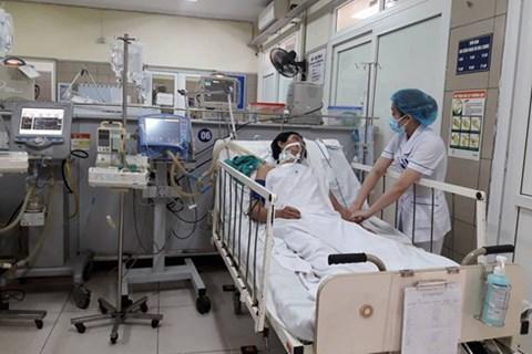 Bệnh nhân ngộ độc rượu methanol được điều trị tại Trung tâm Chống độc - Bệnh viện Bạch Mai.
