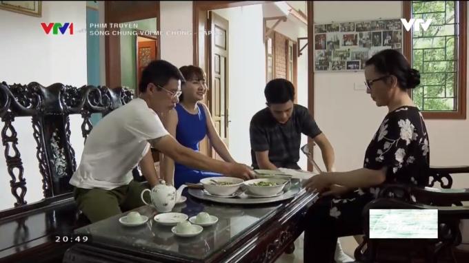 Bữa ăn sáng bên gia đình của Vân.