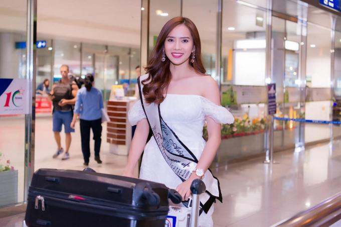 """Vừa kết thúc cuộc thi tại Philippines,diễn viên Bella Mai đã đáp chuyến bay về Việt Nam để bắt đầu tham gia dự án phim Tết cùng đoàn làm phim """"Đích tôn độc đắc"""". Ảnh:Huy Trần"""