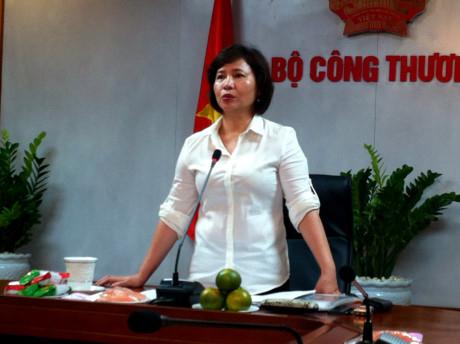 Thứ trưởng Hồ Thị Kim Thoa và người thân sở hữu hàng triệu cổ phiếu Điện Quang với tổng giá trị gần 700 tỷ đồng