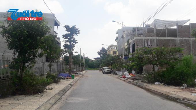Một góc của khu dân cư đồi Yên Ngựa thể hiện sự lộn xộn trong xây dựng, nó khác hoàn toàn với quy hoạch được phê duyệt của UBND tỉnh Thái Nguyên.