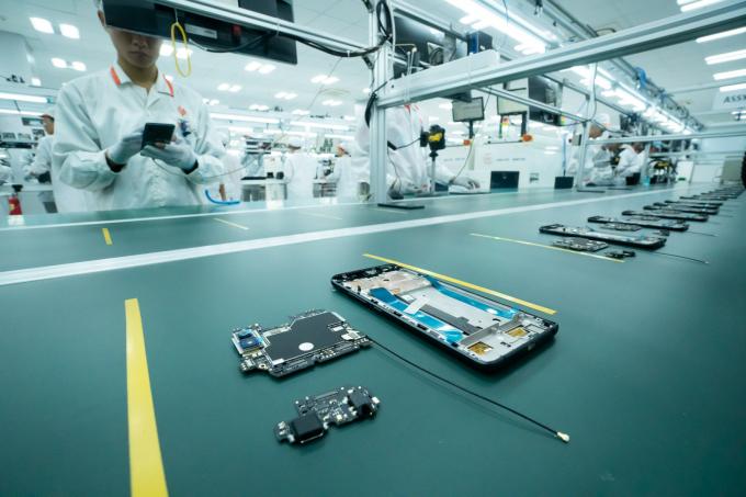 """Dây chuyền lắp ráp và đóng gói được sắp xếp theo triết lý """"luồng 1 sản phẩm, được kiểm soát chặt chẽ để công nhân không bỏ sót công đoạn"""
