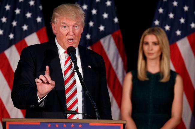 Khi rời khỏi Trump Organization, Ivanka nhận được 2 triệu USD tiền trợ cấp - số tiền được trả sau khi ông Trump tuyên thệ nhậm chức.