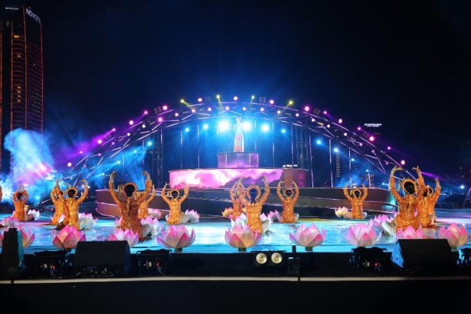 Sân khấu pháo hoa DIFF 2018