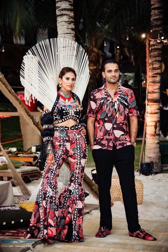 Xuất hiện bên cạnh cô dâu, chú rể cũng tạo ấn tượng bằng trang phục áo tur sone tur với màu váycủa cô vợ tỷ phúKaabia Grewal.