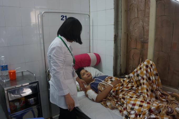 Bệnh nhân Nguyễn Tùng Dương chỉ phải trả 4 triệu đồng trong tổng số 25 triệu đồng tiền viện phí do tham gia BHYT