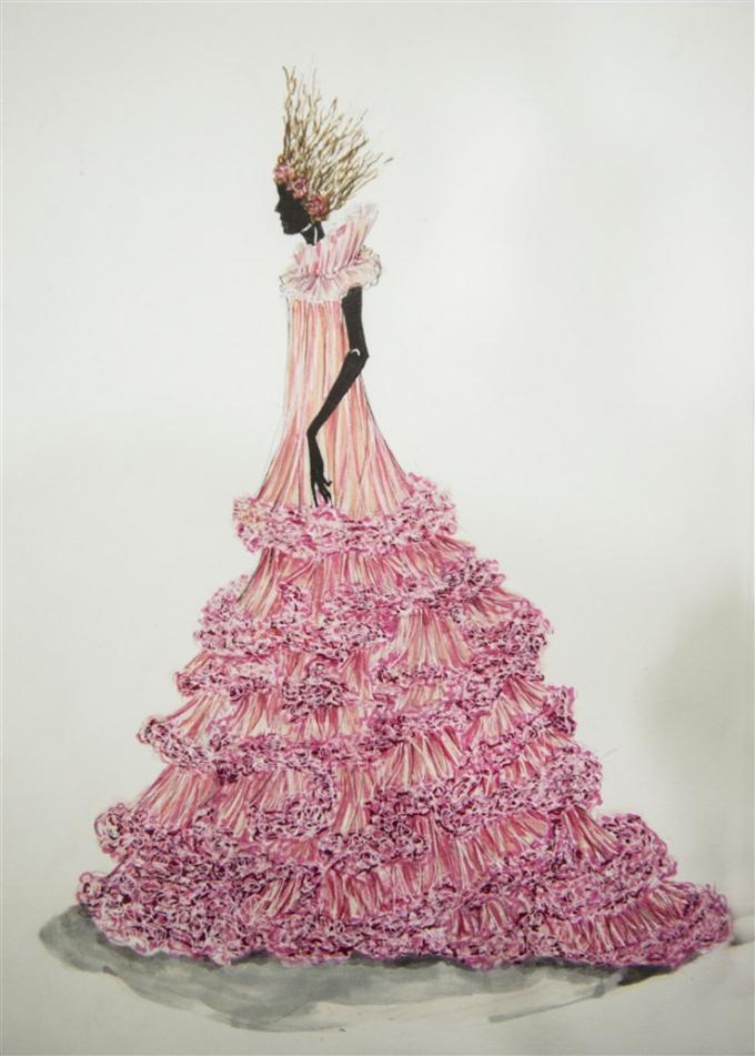 Một mẫu phục trang do NTK Tom Trandt thiết kế cho show sự kiện
