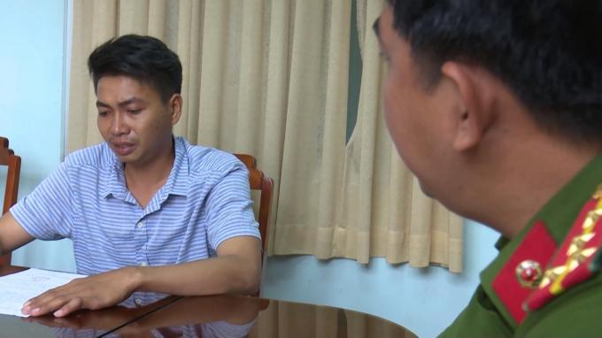 Đối tượngTrần Văn Tuấn tại cơ quan CSĐT. (Ảnh do công an cung cấp)