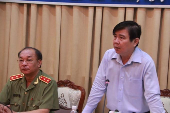 Chủ tịch UBND TP Nguyễn Thành Phong chỉ đạo tại hội nghị - Ảnh: Tân Phú