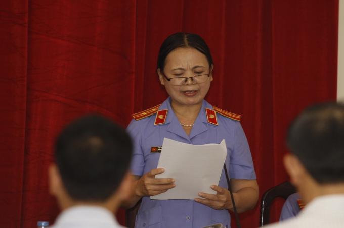 Vị đại diện VKS đề nghị mức án dành cho cựu Chủ tịch xã Đồng Tâm lên đến 5 năm tù. (Ảnh: T.L)