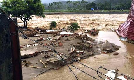 Do ảnh hưởng của áp thấp nhiệt đới nên ở Yên Bái đã xuất hiện lũ tại thị xã Nghĩa Lộ. (Ảnh: Báo Yên Bái).