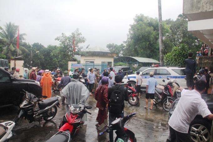 Người dân hoảng hốt trước thông tin thất thiệt vỡ đậpthủy điện Sông Tranh 2.