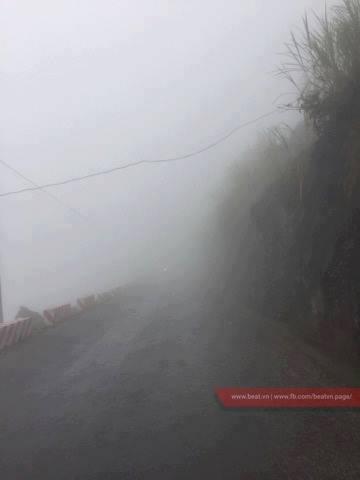 Hình ảnh sương mù trên đèo Mã Pì Lèng. Ảnh Beat)