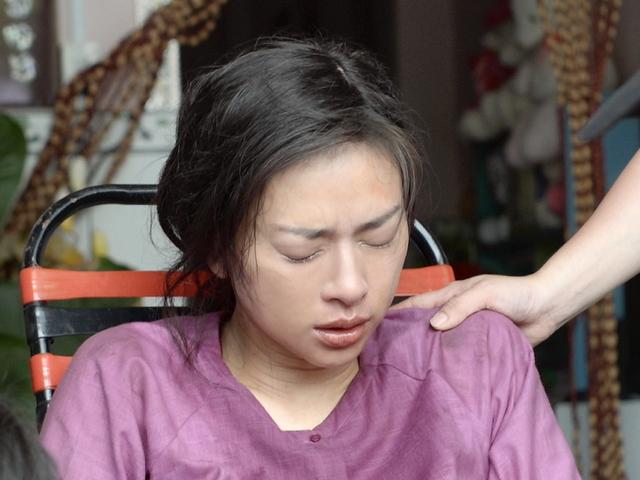 Mới đây, đoàn phim bất ngờ chia sẻ thông tin Ngô Thanh Vân bị tai nạn nghiêm trọng trên phim trường dẫn đến nứt xương đầu gối.