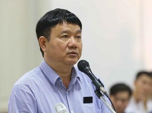 Bị cáo Đinh La Thăng nhận thêm án 18 năm tù, bồi thường 600 tỷ đồng (Ảnh: TTXVN).